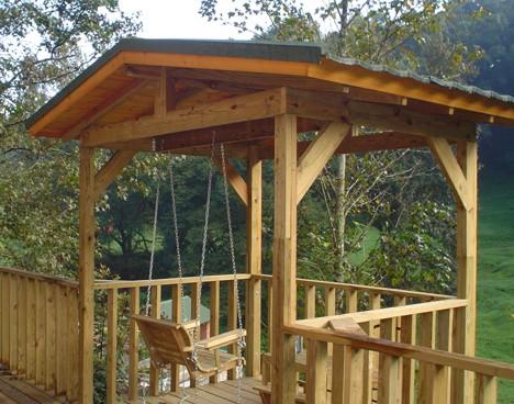 Construcci n de caba as casas de madera chalets de for Tirol en techos de casas